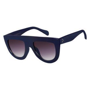 Women's trendy oversized glasses